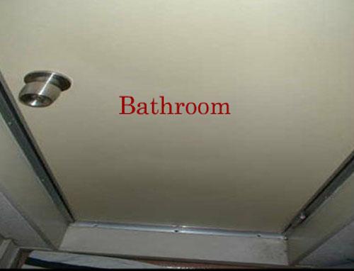 バスルームホラー